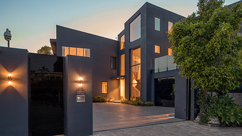 5 Design Lessons We Can Take From Chrissy Teigen and John Legend's Former $24 Million Beverly Hills Home